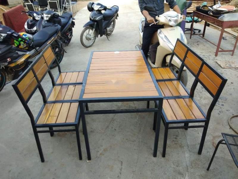 bộ bàn ghế sắt cũ
